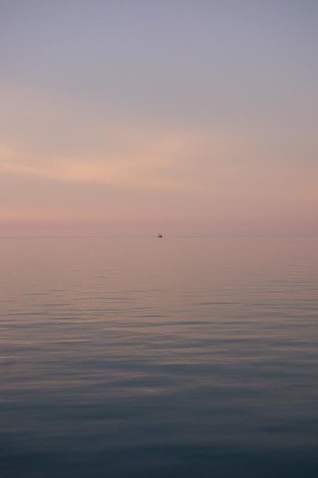http://mattharveyphotography.com/files/gimgs/12_chicago2014-lake-675px.jpg